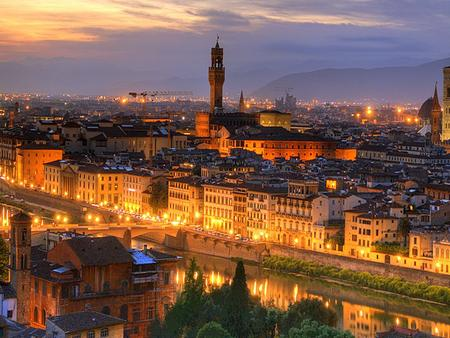 Location and Population It is the capital city of the Italian region of Tuscany and of the province of Florence. It has a population of 370,000 inhabitants.