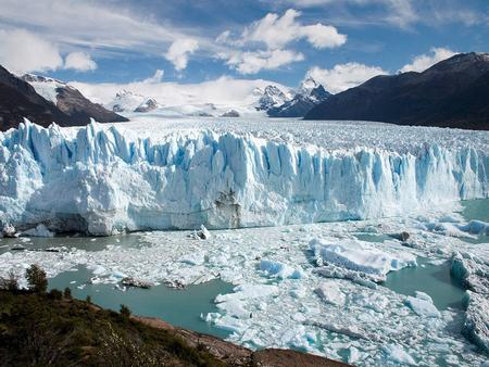 Glacial Processes and Landforms What is a glacier? How do glaciers form?
