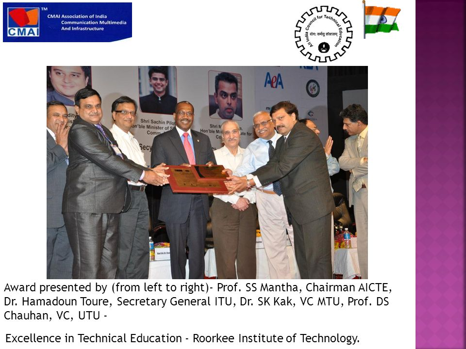 Emerging Institute for ICT Gyan Ganga Group of Institutions, Bhopal Award presented by (from left to right)- Prof.
