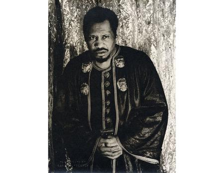 ------------- Image1 ------------- Field Data Digital Image File Name 1132 Image Title Carl Van Vechten. Portrait of Paul Robeson as Othello. Silver gelatin.