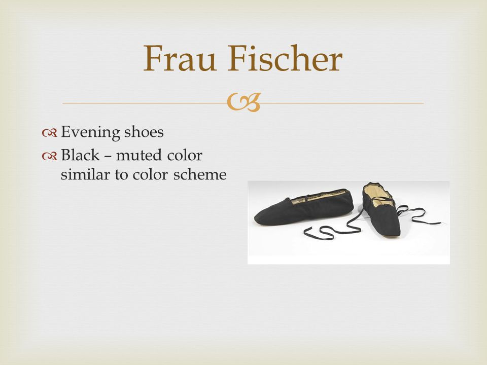  Frau Fischer  Parasol – added accessory  Paisley and plaid pattern  Also see color palette