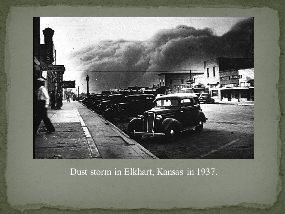 Arthur Rothstein photograph of a dust storm in Oklahoma in 1939.