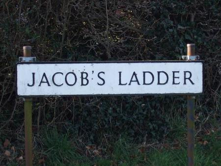 TOP OF JACOBS LADDER TODAY 1 2 3 4 5 6 Only Plots 1,2, 4, 5 and 6 had houses in 1940.