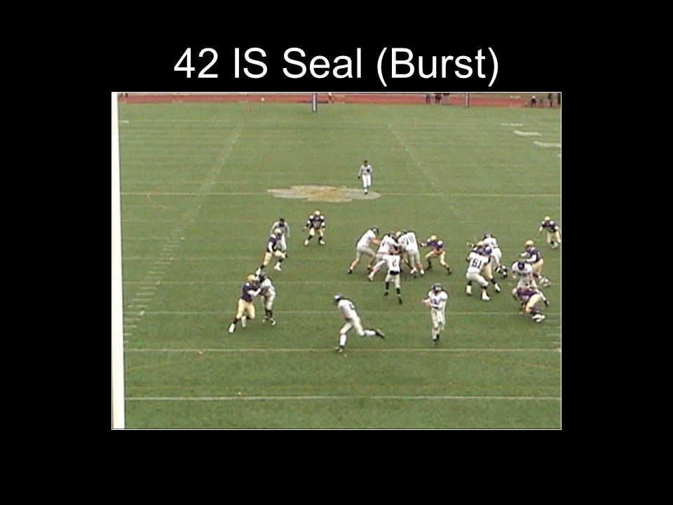33 Inside EETT WM S The QB will open up at a 45 and give the ball to the FB with his left hand.