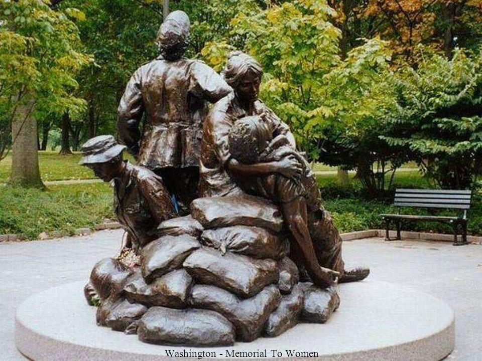 Washington - Memorial To Women