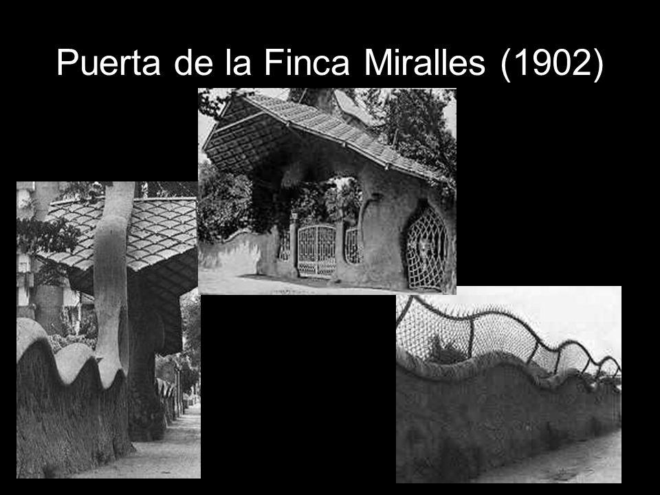 Puerta de la Finca Miralles (1902)