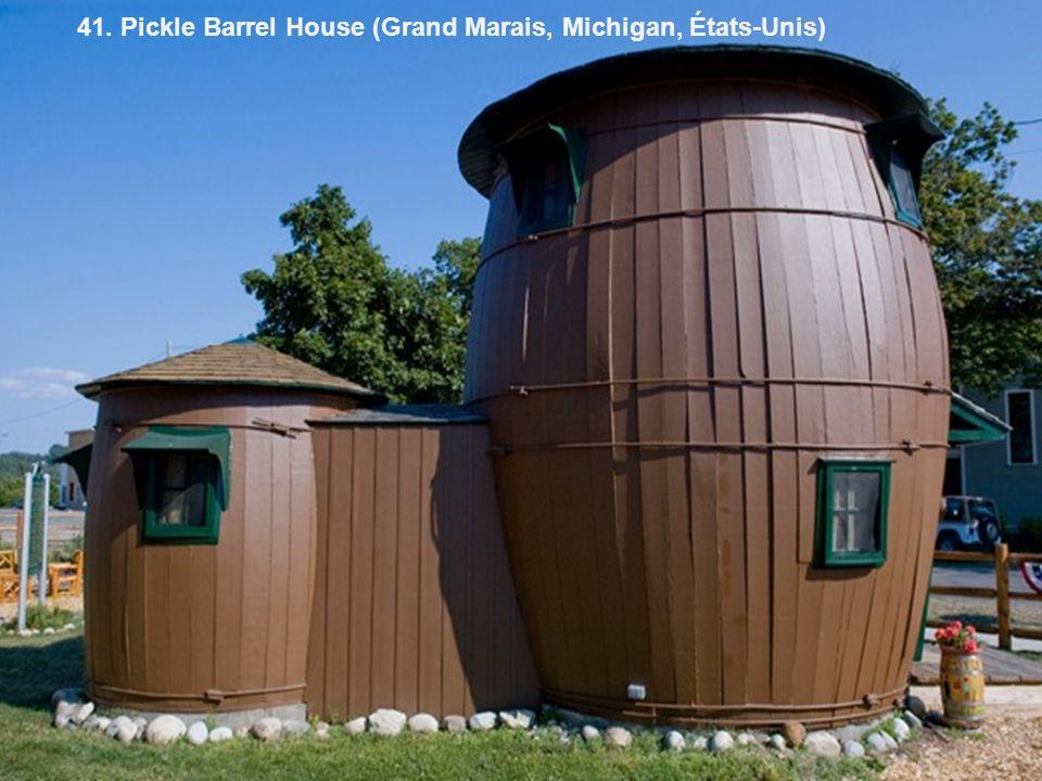 41. Pickle Barrel House (Grand Marais, Michigan, États-Unis)