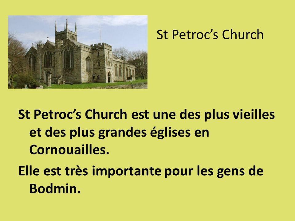 St Petroc's Church St Petroc's Church est une des plus vieilles et des plus grandes églises en Cornouailles.
