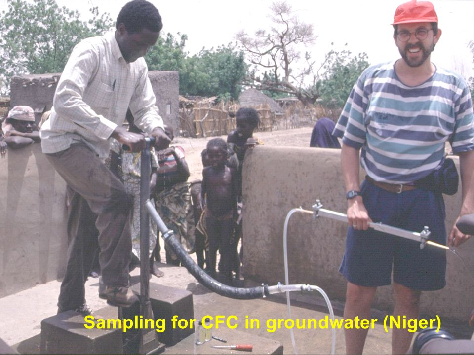 Sampling for CFC in groundwater (Niger)