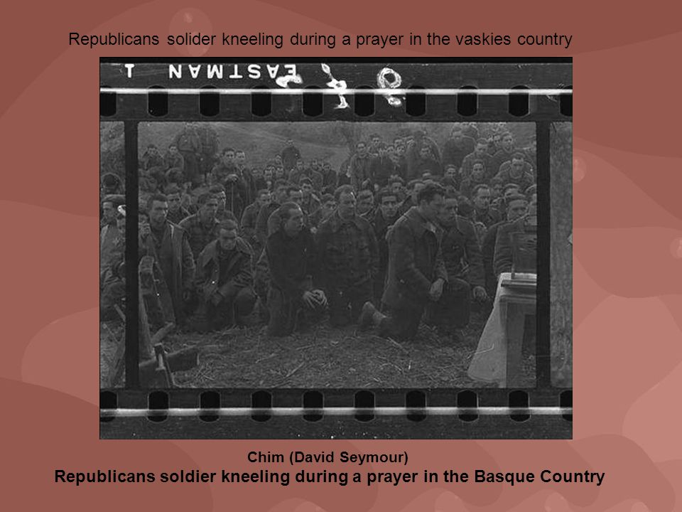 Republicans solider kneeling during a prayer in the vaskies country