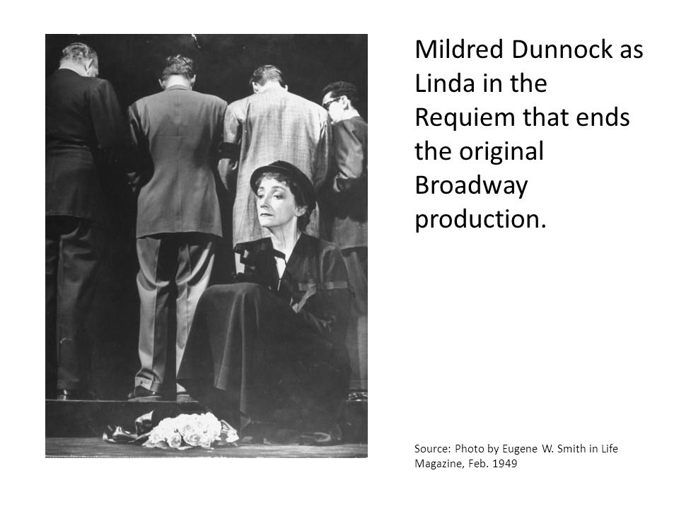 Mildred Dunnock as Linda in the Requiem that ends the original Broadway production.
