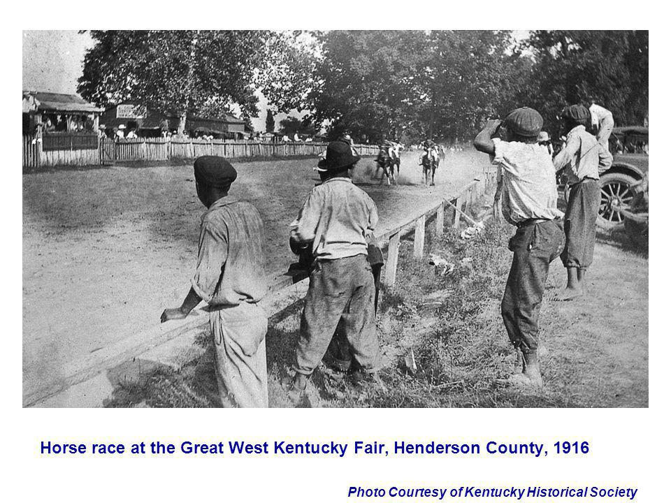 Horse race at the Great West Kentucky Fair, Henderson County, 1916