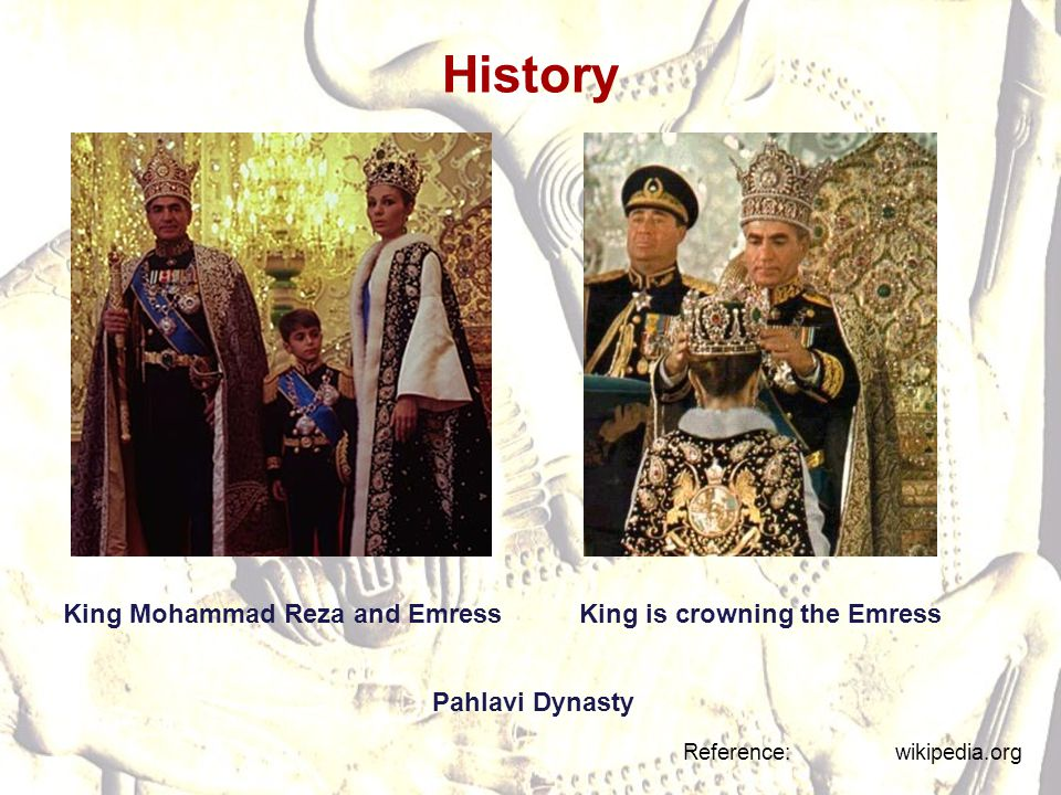 King Mohammad Reza and Emress King is crowning the Emress