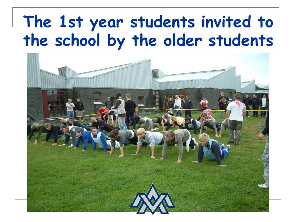 The 1st year students invited to the school by the older students