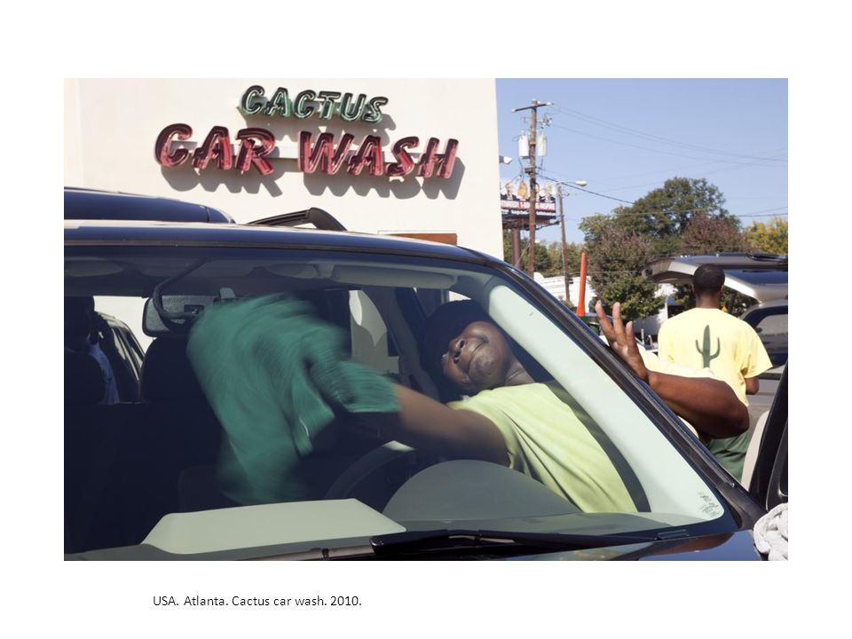 USA. Atlanta. Cactus car wash. 2010.