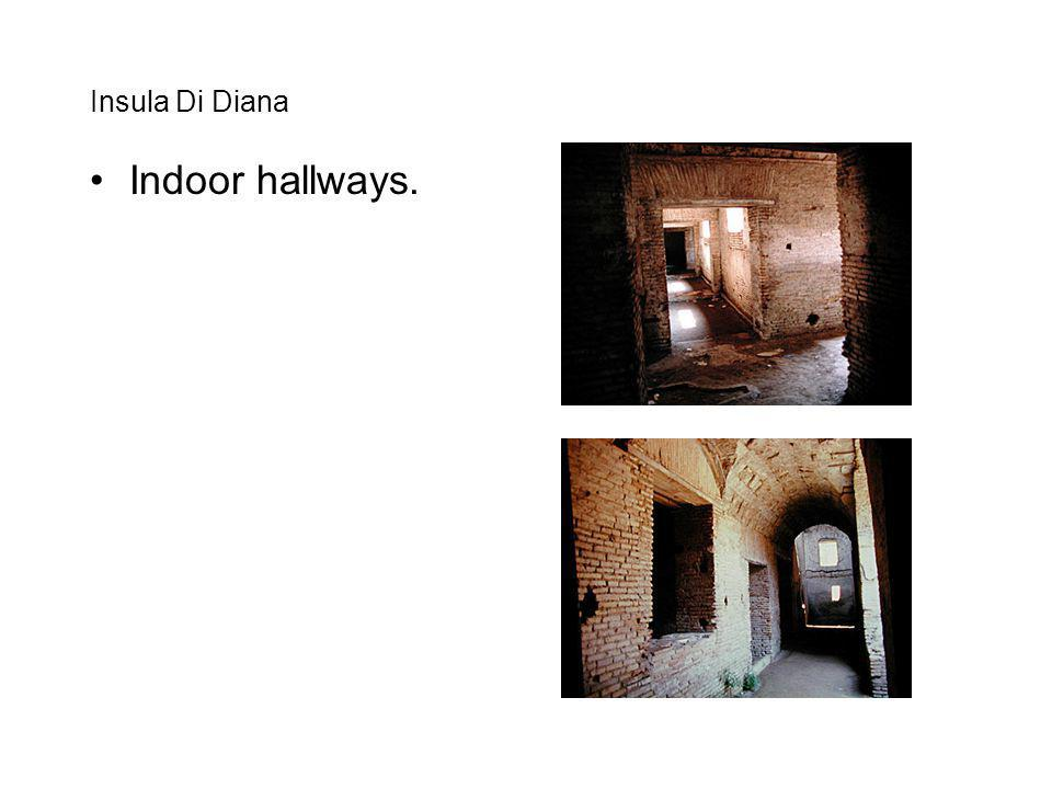 Insula Di Diana Indoor hallways.