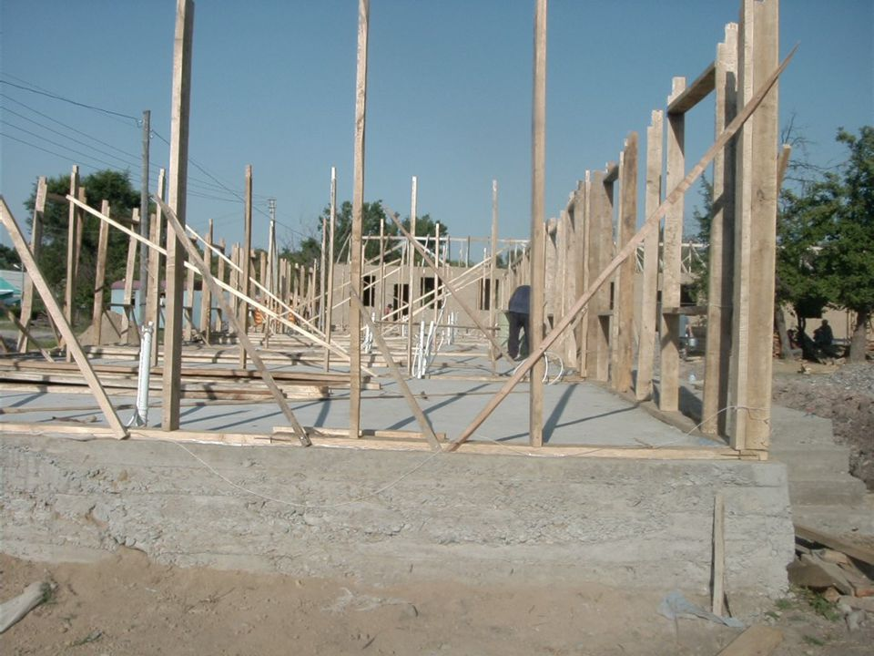 The next stage is the construction of the main frame of the house