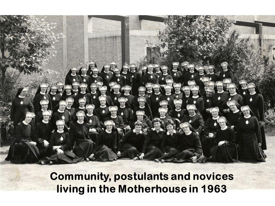 Community, postulants and novices living in the Motherhouse in 1963