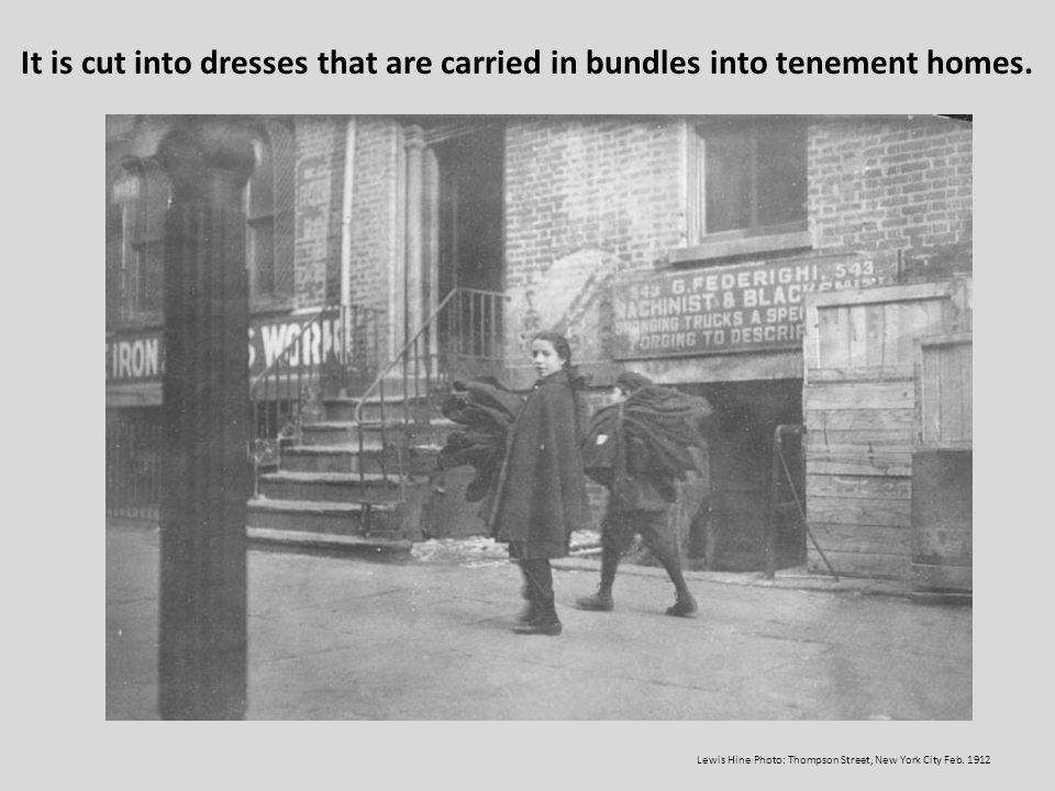Lewis Hine Photo: Thompson Street, New York City Feb. 1912
