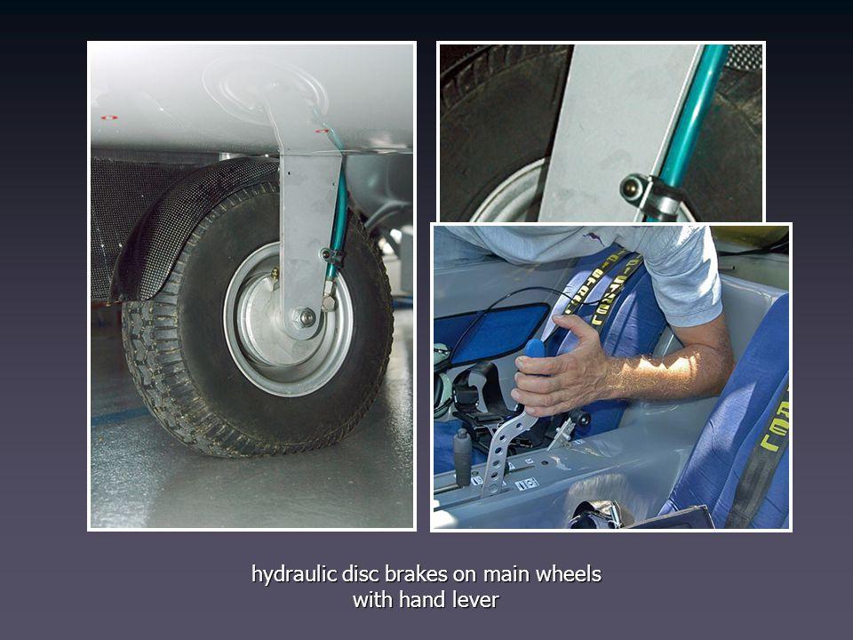 hydraulic disc brakes on main wheels