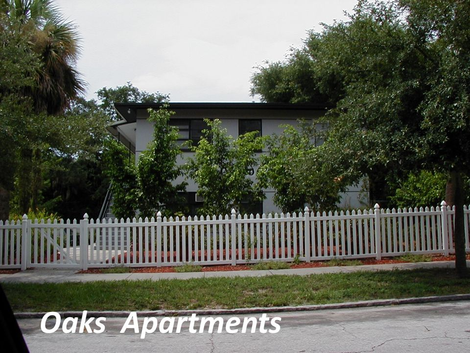 Oaks Apartments