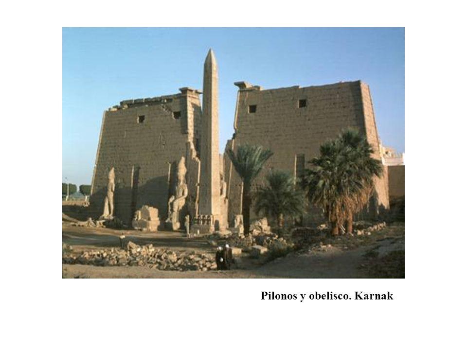 Pilonos y obelisco. Karnak