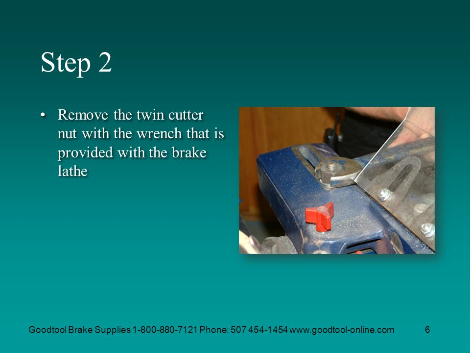Step 2 Remove the twin cutter nut with the wrench that is provided with the brake lathe.