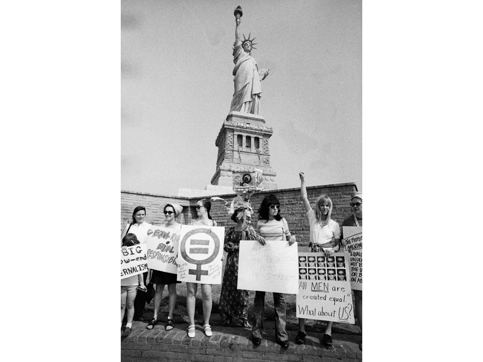 fig25_25.jpg Page 1010: A 1970 women's liberation demonstration at the Statue of Liberty.