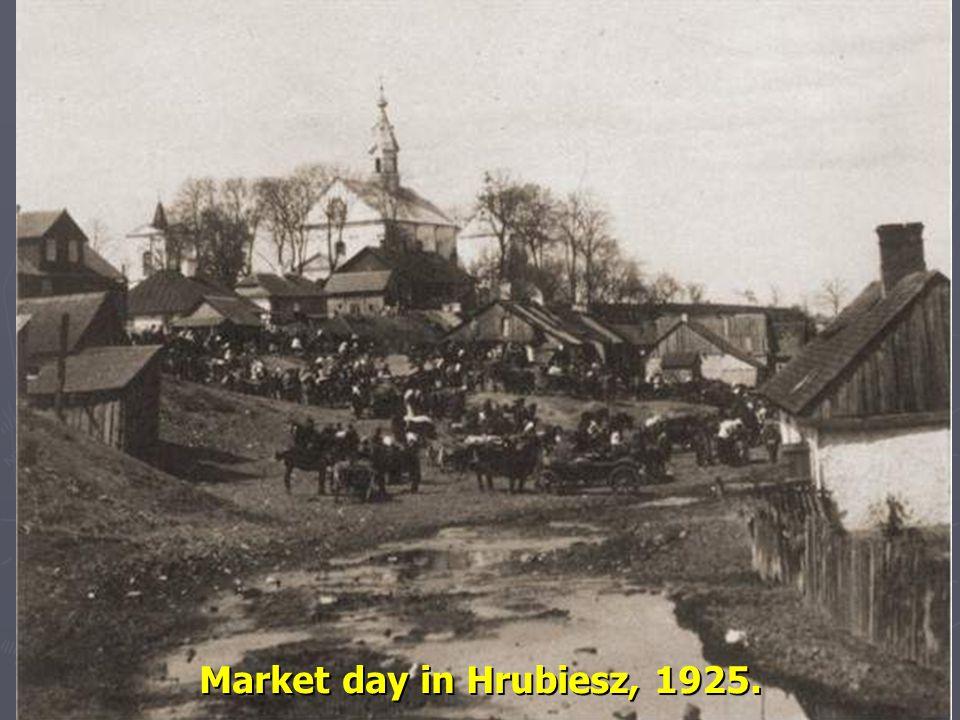Market day in Hrubiesz, 1925. 13