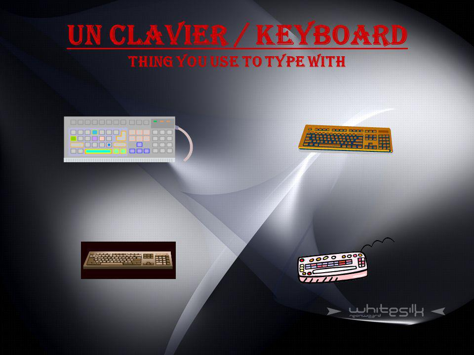 Un Clavier / Keyboard Thing you use to type with