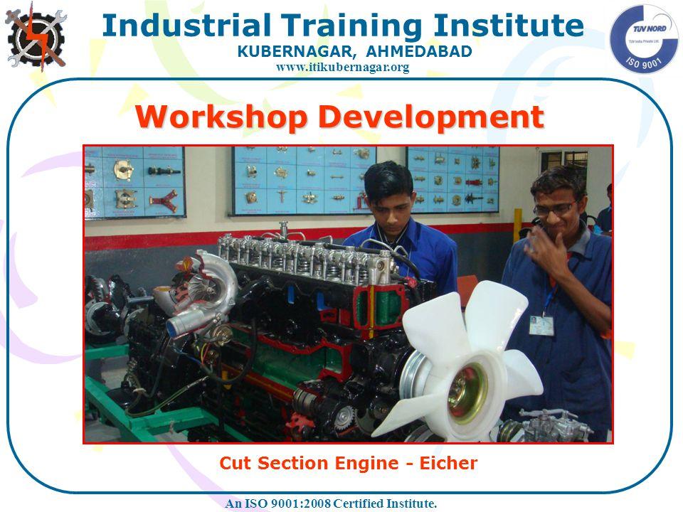 Cut Section Engine - Eicher