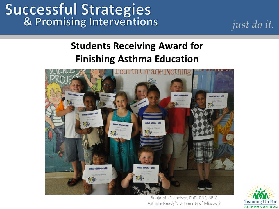 Students Receiving Award for Finishing Asthma Education