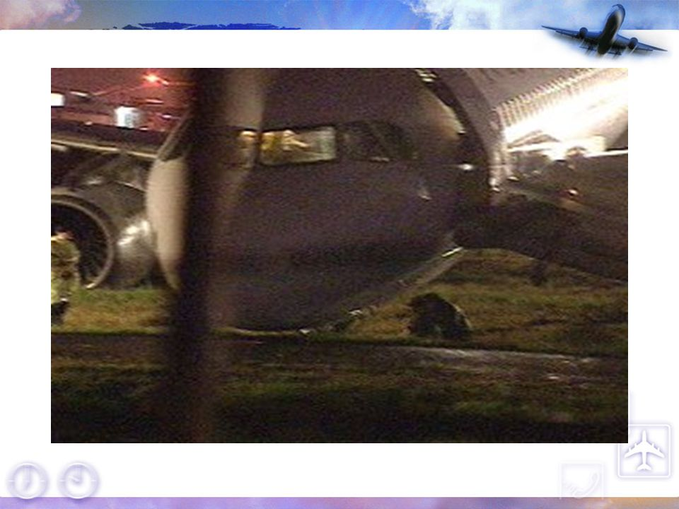 93.10.18 TNA536於松山落地衝出跑道照片。