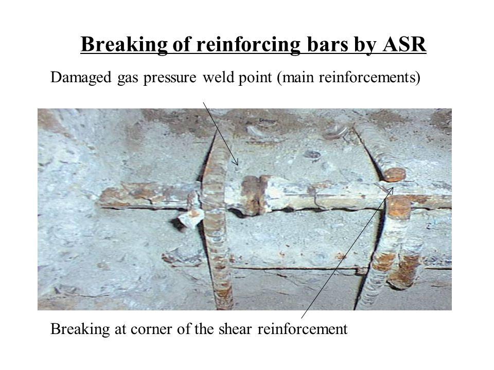 Breaking of reinforcing bars by ASR