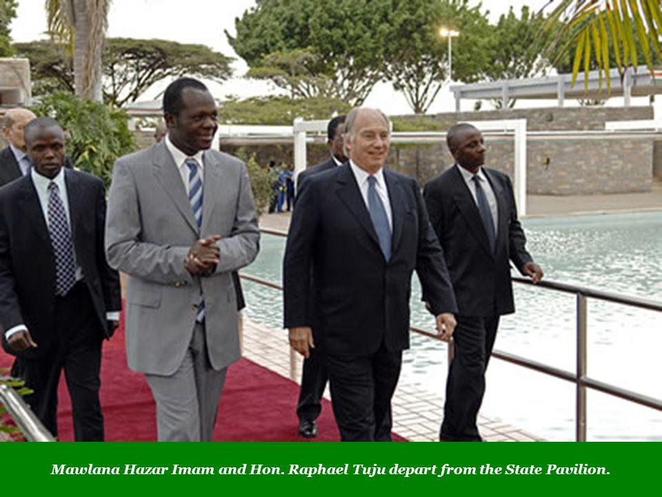Mawlana Hazar Imam and Hon. Raphael Tuju depart from the State Pavilion.