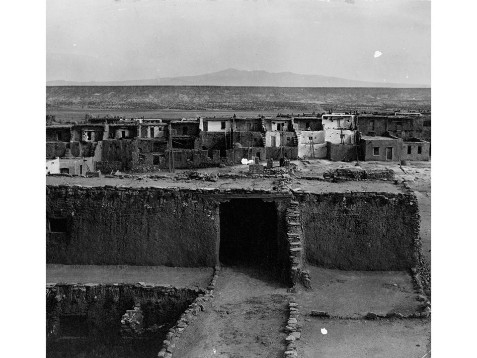 fig01_14.jpg Page 23: Acoma, the sky city, as it appeared in 1904.