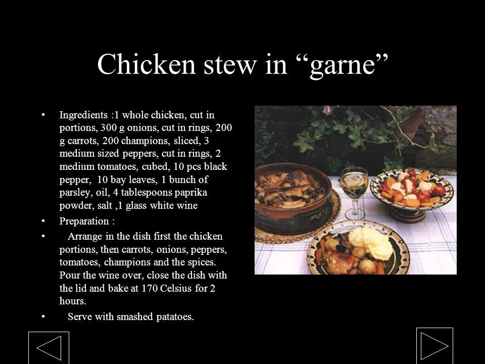 Chicken stew in garne