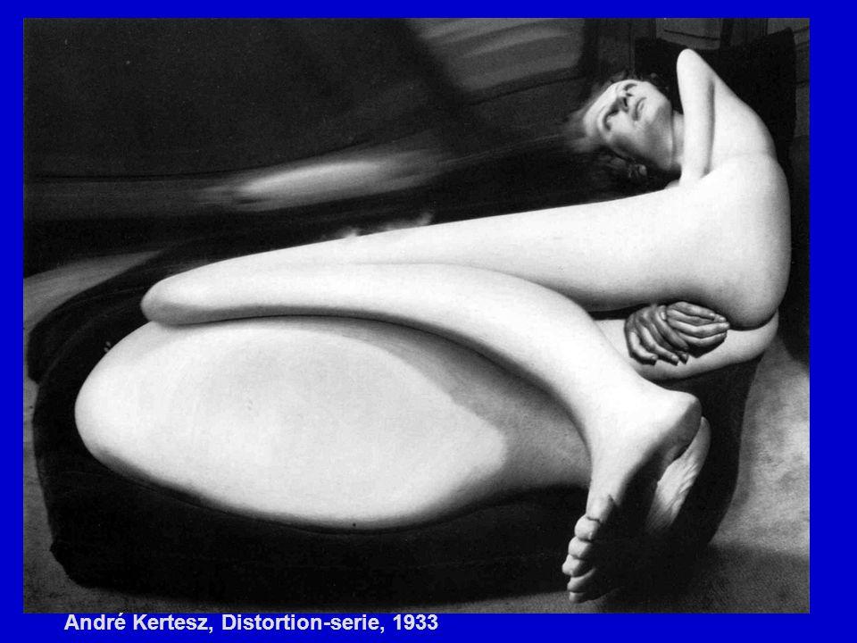André Kertesz, Distortion-serie, 1933