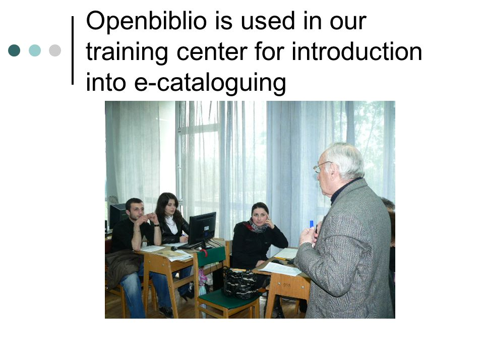 Openbiblio is used in our training center for introduction into e-cataloguing
