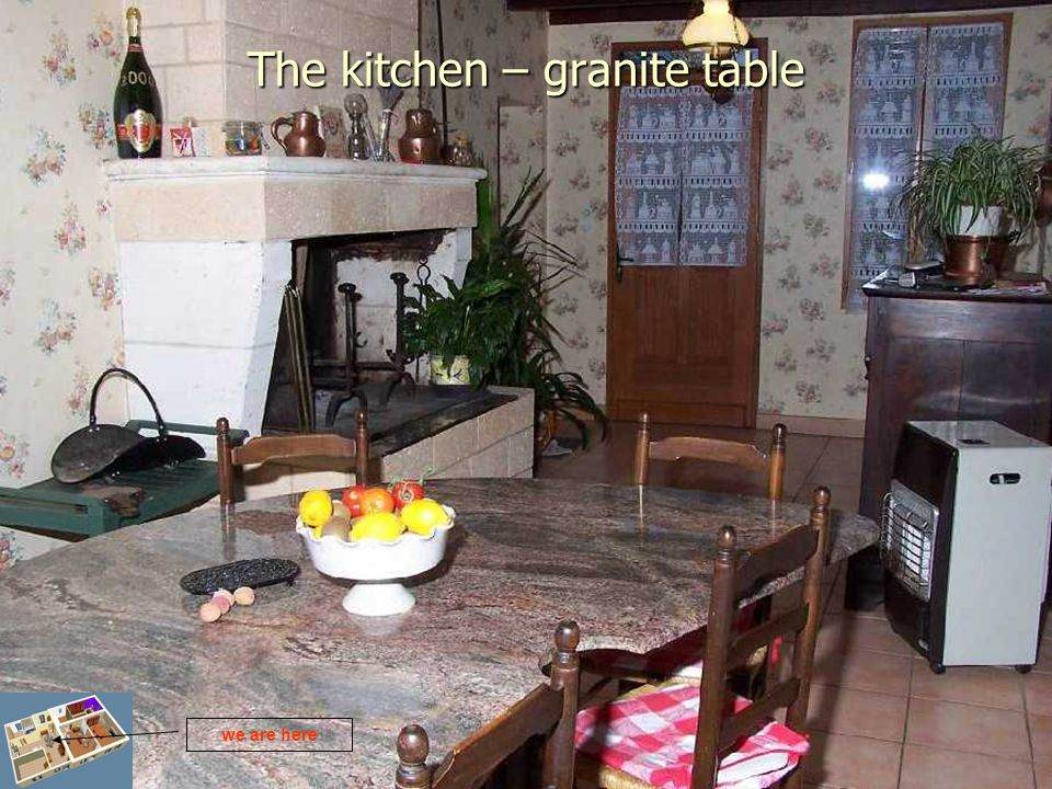 The kitchen – granite table