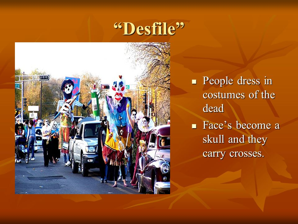 Desfile People dress in costumes of the dead