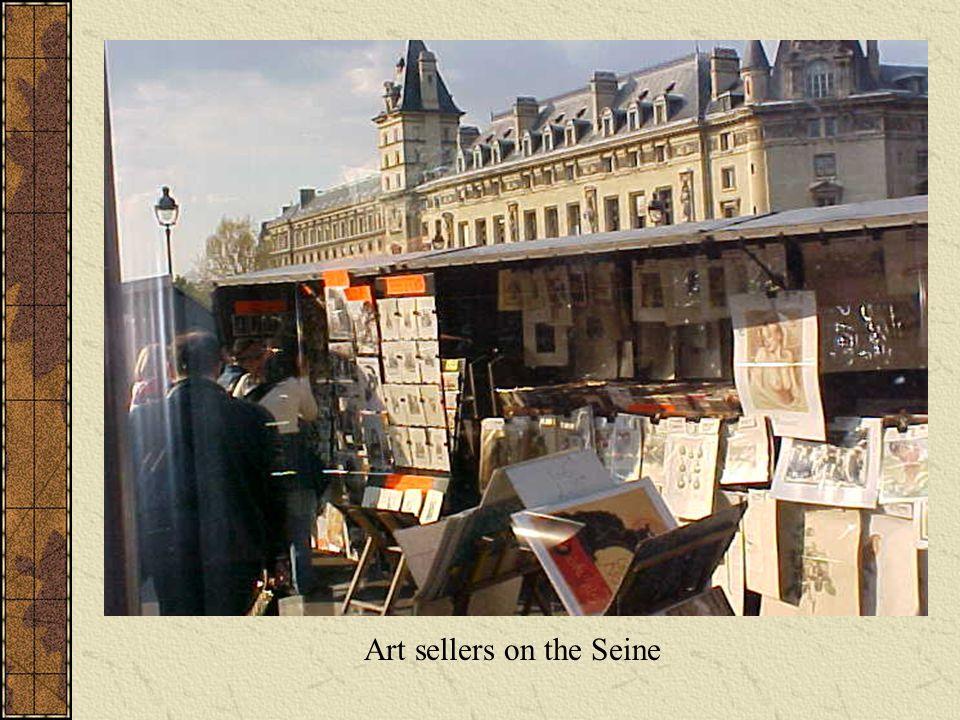 Art sellers on the Seine
