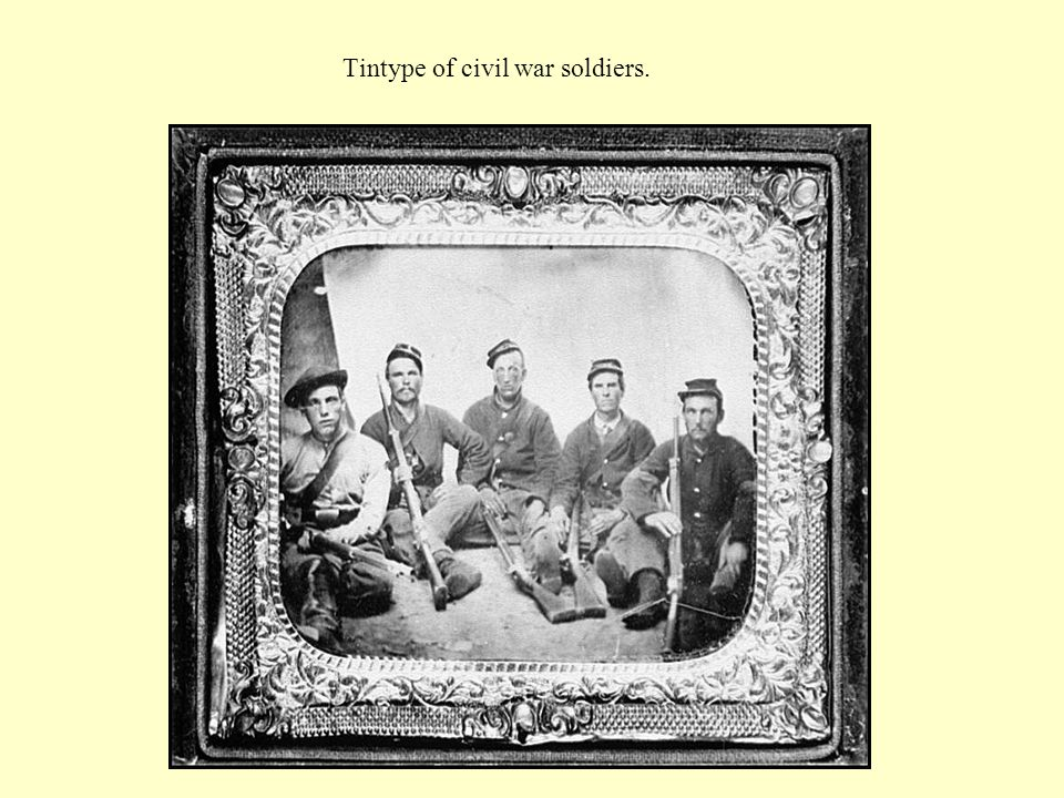 Tintype of civil war soldiers.