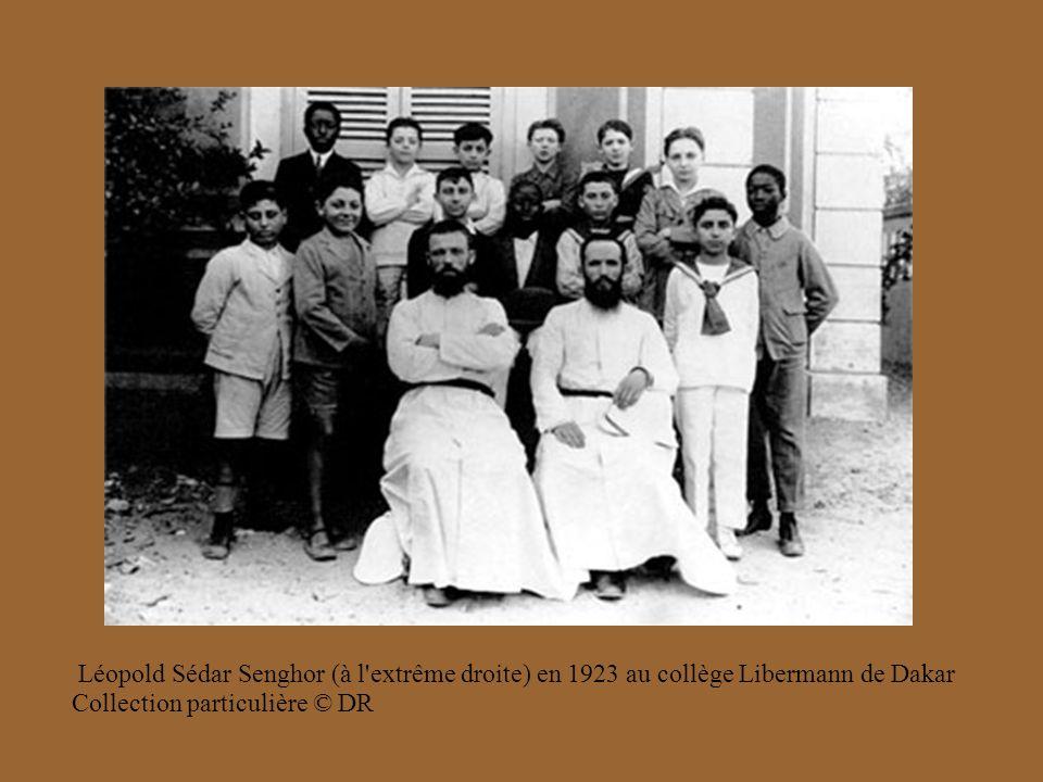 Léopold Sédar Senghor (à l extrême droite) en 1923 au collège Libermann de Dakar