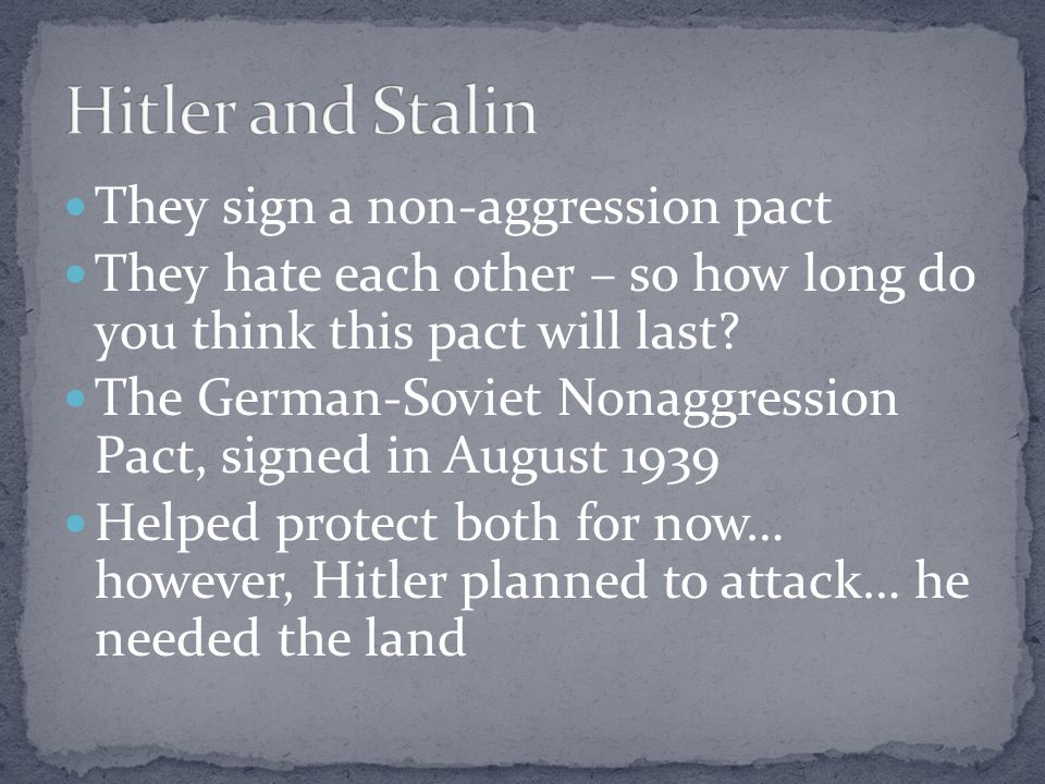Hitler and Stalin They sign a non-aggression pact