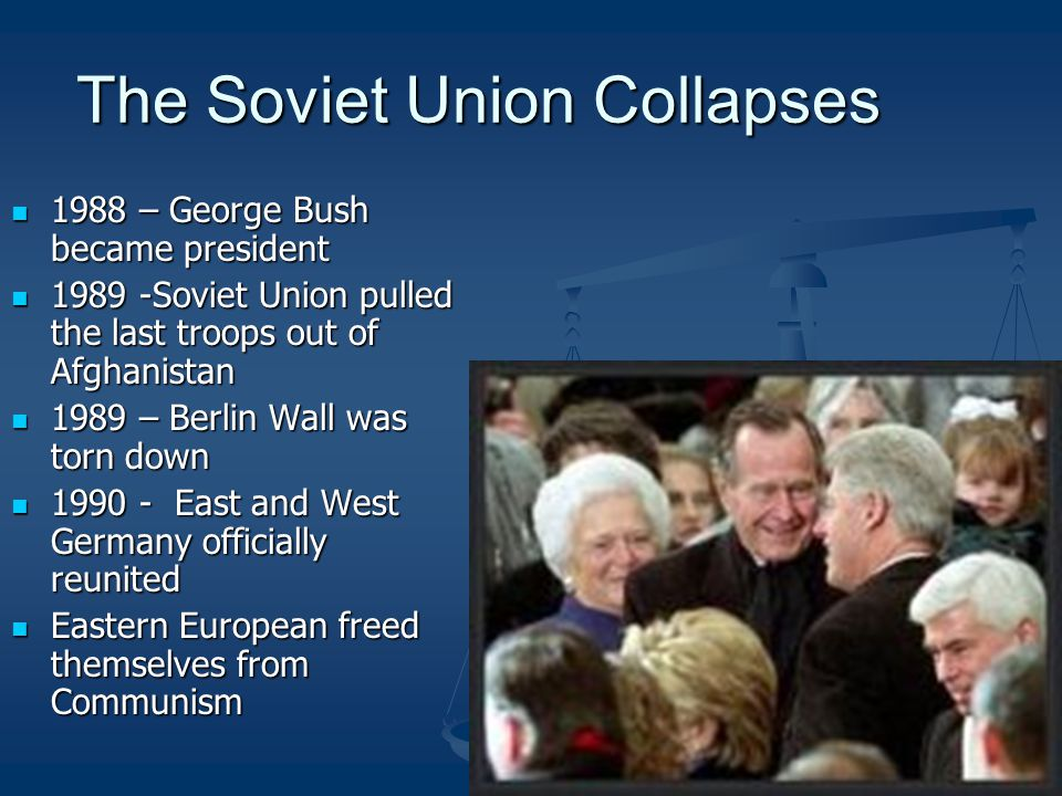The Soviet Union Collapses