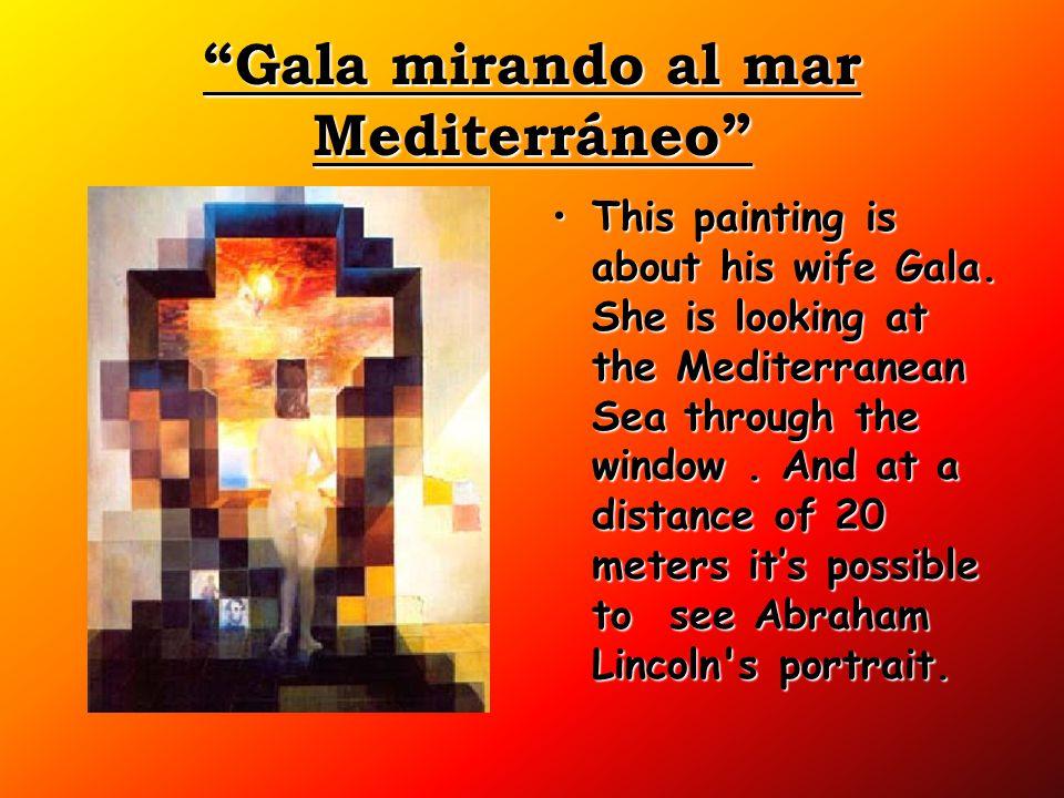 Gala mirando al mar Mediterráneo