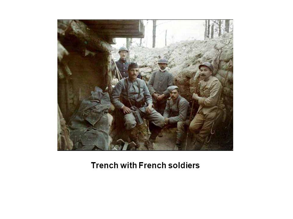 Trench with French soldiers