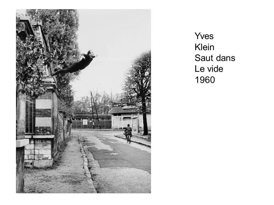 Yves Klein Saut dans Le vide 1960