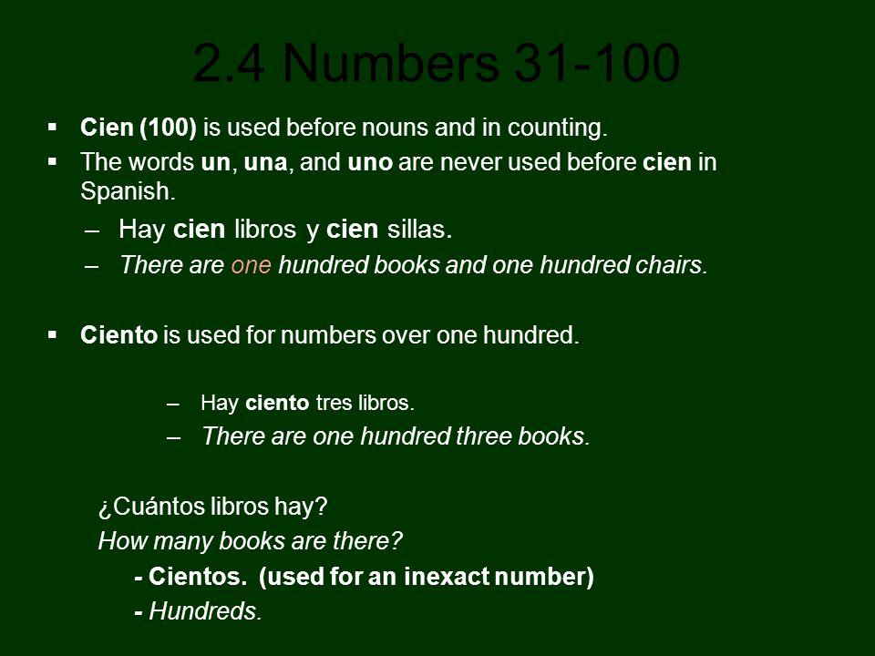 Hay cien libros y cien sillas.